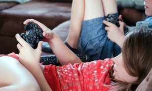 Parents ignoring game age ratings, survey finds