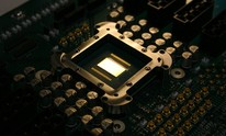 Intel backtracks on benchmark-banning microcode licence
